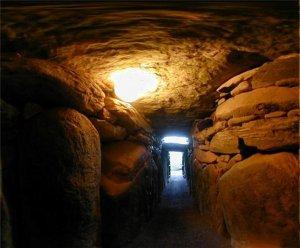 Ирландская гробница Ньюграндж