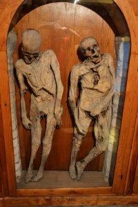 Итальянская церковь «живых» мертвецов