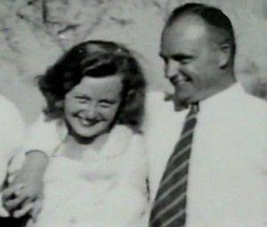 Эльза Кох – печально известная «фрау Абажур»